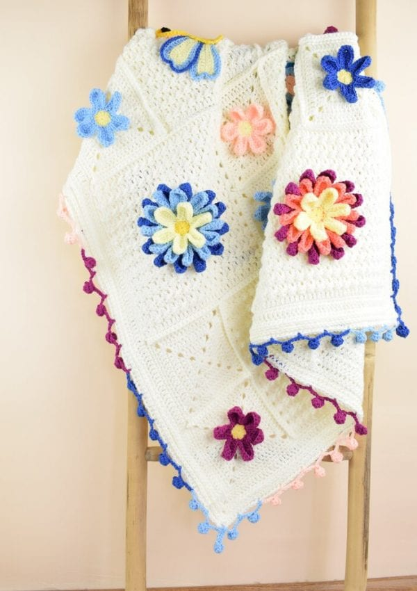"""Free crochet """"Blooming Spring"""" blanket- with crochet big 3D flowers and cute butterflies"""