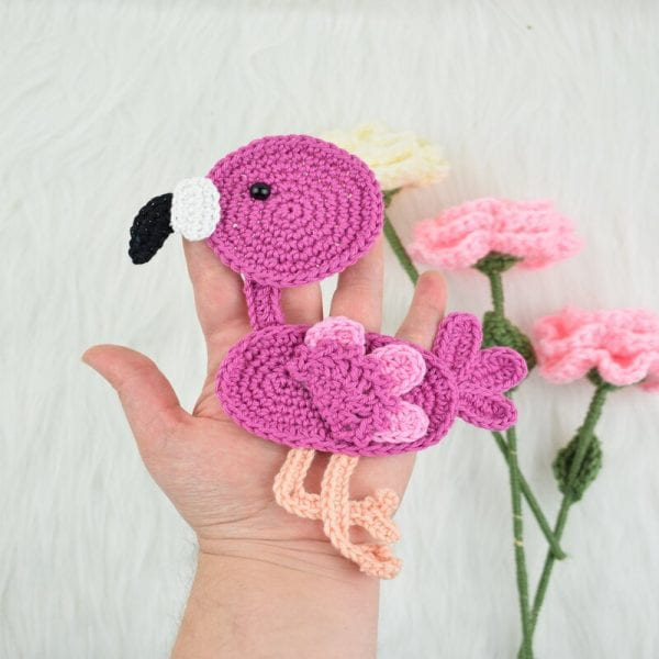 Free crochet flamingo applique- personalize your blankets
